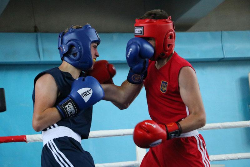 У Кропивницькому стартував  Чемпіонат України з боксу серед юніорів. ФОТО - 5 - Події - Без Купюр