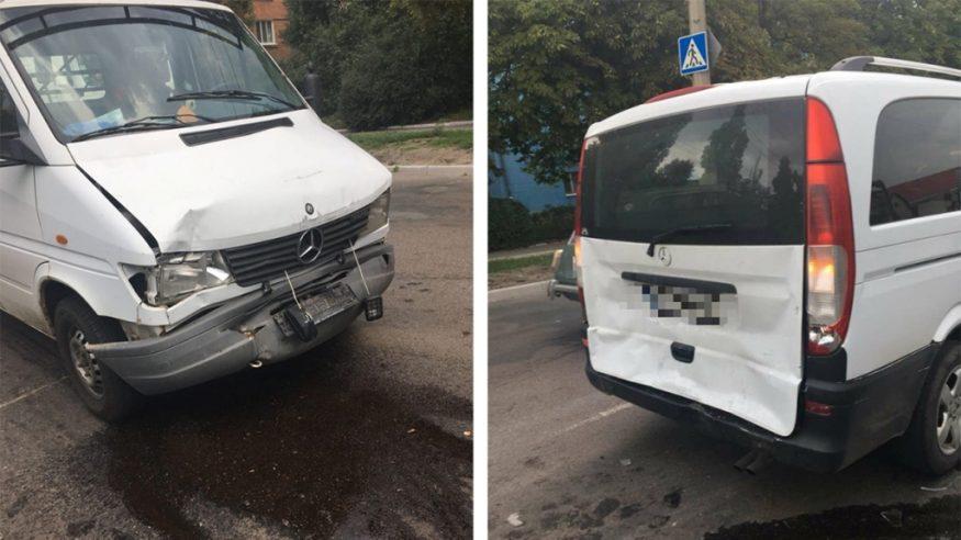 Без Купюр Вантажний автомобіль в'їхав у Mercedes Vito, який пропускав пасажира. ФОТО Події  Патрульна поліція Кропивницький ДТП Вантажний автомобіль Mercedes Benz