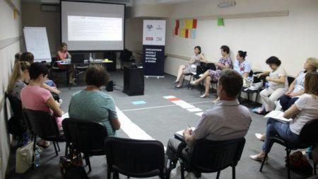 У Кропивницькому медиків вчать працювати з ВІЛ-позитивними пацієнтами
