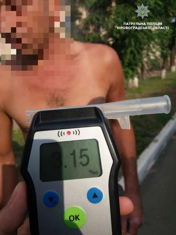 Без Купюр Патрульні затримали водія, у якого вміст алкоголю в крові перевищував норму в 16 разів За кермом  Патрульна поліція Кропивницький алкоголь в крові