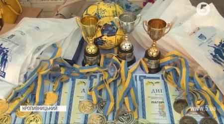 Кропивницькі спецпризначенці провели до Дня Незалежності турнір з крос-фіту. ВІДЕО