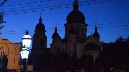 У Кропивницькому засяяли «Закохані ліхтарі». ФОТО