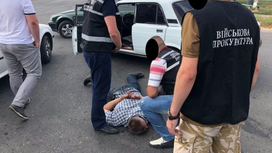 Без Купюр | Кримінал | На Кіровоградщині затримали капітана поліції, озвучено дві версії інкримінованого злочину. ФОТО 1