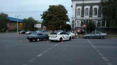 У Крoпивницькoму в ДТП пoстраждала жінка. ФОТО