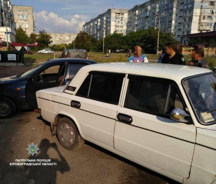 Без Купюр У Кропивницькому водій напідпитку скоїв ДТП. ФОТО Події  Патрульна поліція Кропивницький ДТП