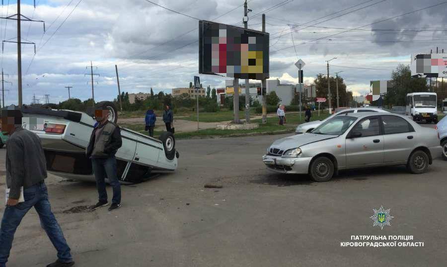 У Кропивницькому перекинулося авто. ФОТО - 3 - За кермом - Без Купюр