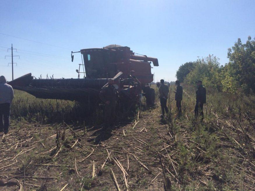 Без Купюр | Кримінал | На Кіровоградщині затримали 26 тітушок, котрі намагалися скосити поле і пошкодили сільгосптехніку 2