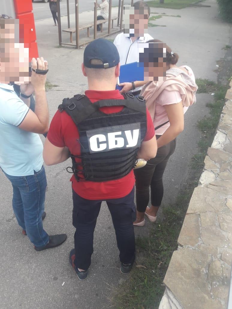 Без Купюр | Корупція | У Кропивницькому СБУ викрила на хабарі інспектора виправної колонії 2