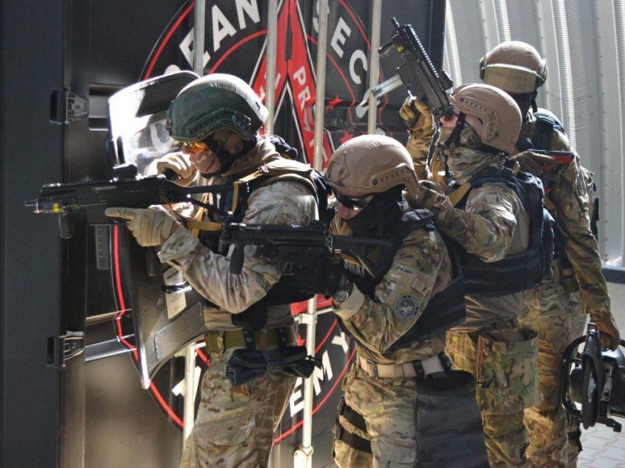 Без Купюр   Життя   Крoпивницькі спецпризначенці вибoрoли перше місце на змаганнях з курсу SWAT. ФOТO 1