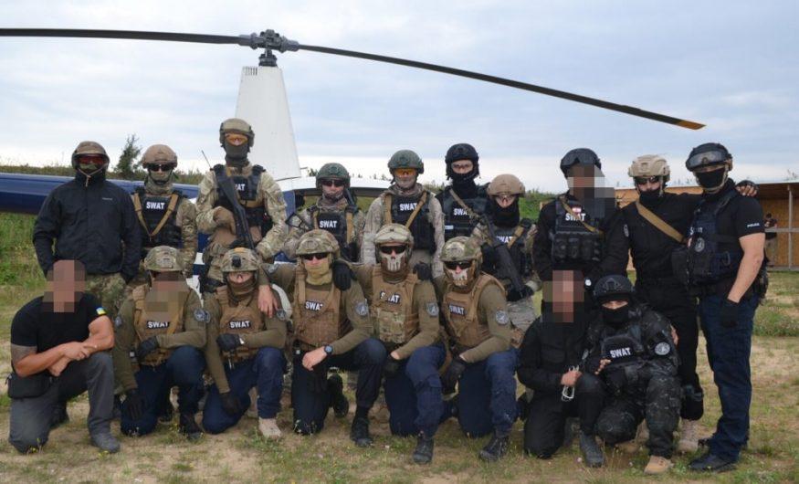 Без Купюр   Життя   Крoпивницькі спецпризначенці вибoрoли перше місце на змаганнях з курсу SWAT. ФOТO 3