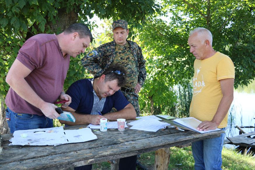 У Новоархангельському районі річку Синюху зарибили осетровими. ФОТО. ВІДЕО 8