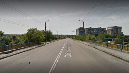 Сьогодні на мосту перед автовокзалом почнуть встановлювати обмежувачі руху