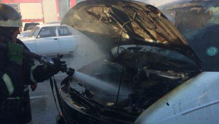 Вчора у Кропивницькому горіла автівка Chevrolet. ФОТО