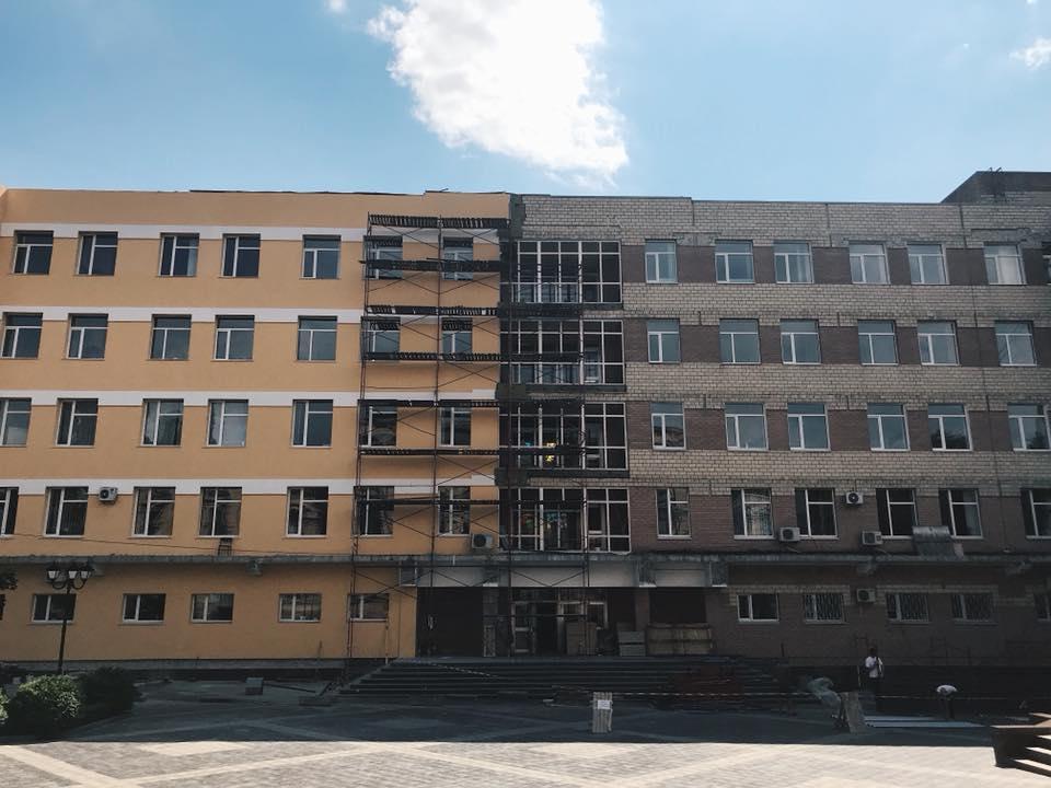 У Кропивницькому субвенцію, яку залучає нардеп, стабільно освоюють дві фірми - 3 - Найважливiше - Без Купюр