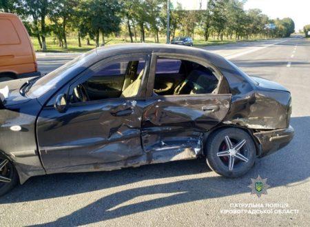 У Кропивницькому Daewoo зіткнувся з Volkswagen. ФОТО