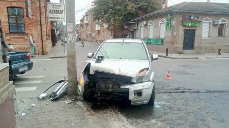 Доповнено: у центрі Кропивницького не розминулися Ford і Vauxhall. ФОТО