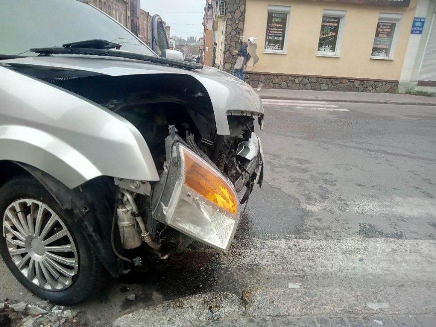 Доповнено: у центрі Кропивницького не розминулися Ford і Vauxhall. ФОТО - 3 - За кермом - Без Купюр