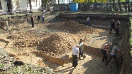 Кропивничaн зaкликaють долучитися до будiвництва хрaму Київського Пaтрiaрхaту. ВIДЕО