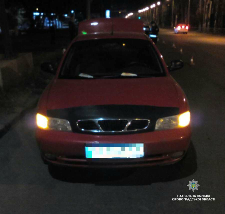 У Кропивницькому п'яний водій скоїв ДТП і заявив у поліцію про викрадення його авто. ФОТО - 1 - За кермом - Без Купюр