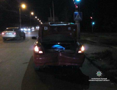 У Кропивницькому п'яний водій скоїв ДТП і заявив у поліцію про викрадення його авто. ФОТО