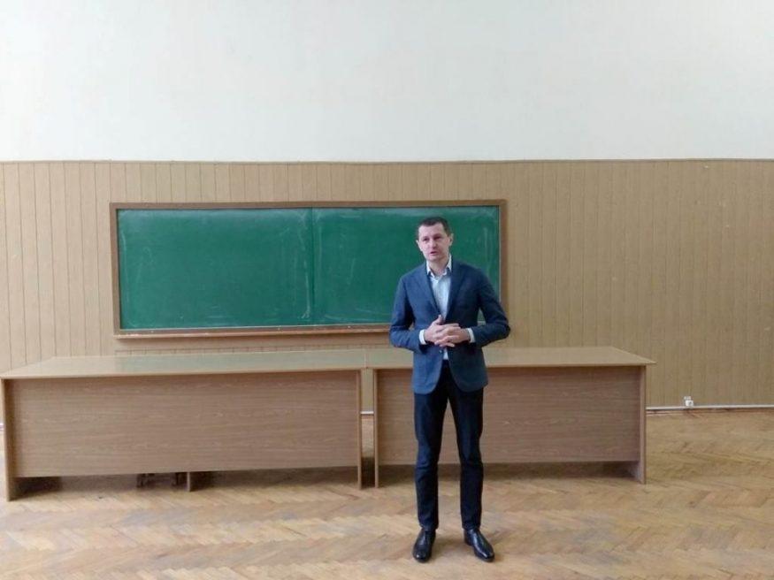 Народний депутат Роман Семенуха: «Ми повинні повернути віру в країну» - 2 - Життя - Без Купюр