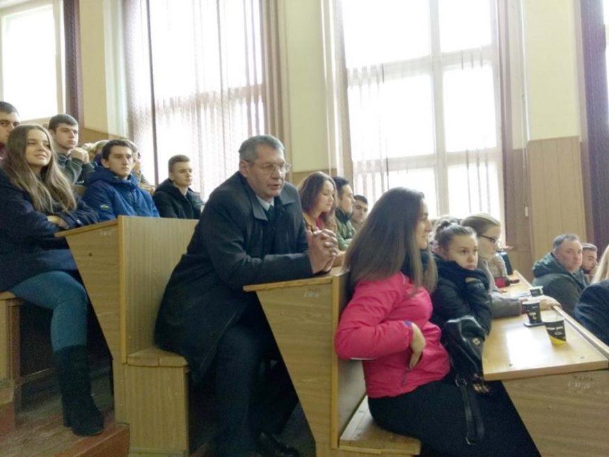 Народний депутат Роман Семенуха: «Ми повинні повернути віру в країну» - 3 - Життя - Без Купюр