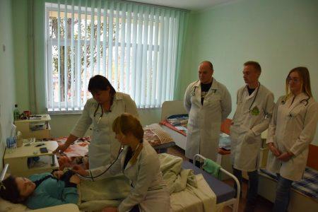 Студенти медичного університету Кропивницького здобувають практичні навички на базі дитячої обласної лікарні. ФОТО