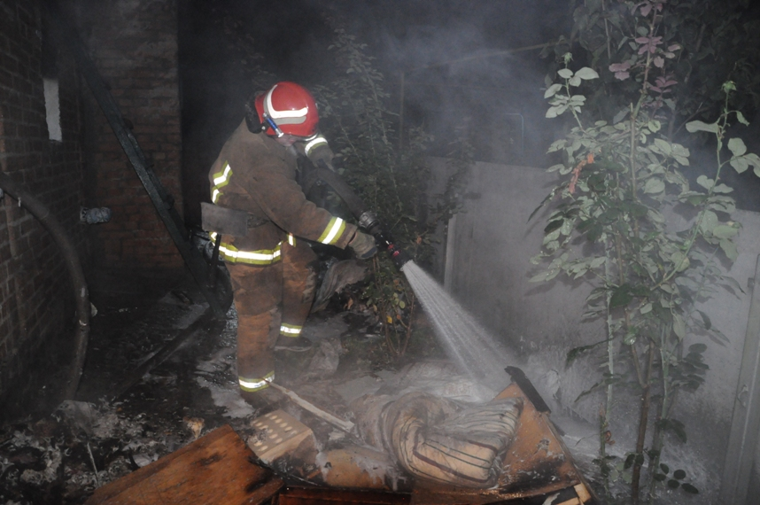 Вчора у Кропивницькому внаслідок пожежі загинули троє чоловіків - 2 - Життя - Без Купюр