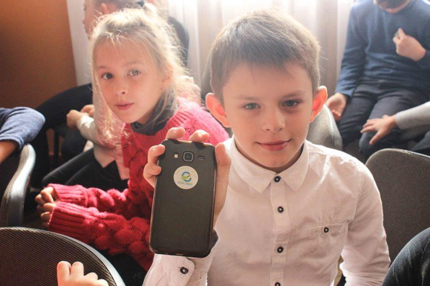 Без Купюр Школярів Кропивницького вчили сортувати сміття та подарували у школи еко-контейнери. ФОТО Освіта  сортування Кропивницький Екостайл вторсировина відходи