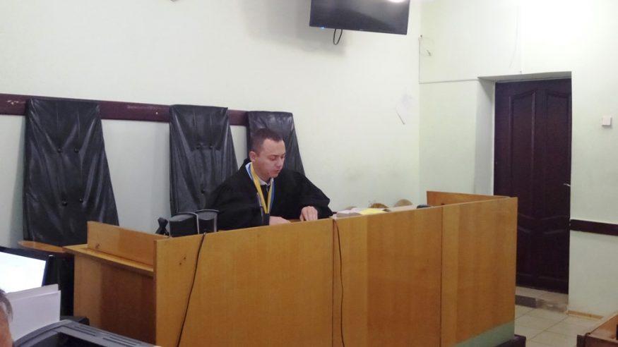 У Кропивницькому депутат, якого звинуватили у корупції, визнав провину. ФОТО, ВІДЕО - 1 - Корупція - Без Купюр
