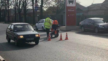 Розмітку та відновлення дорожніх знаків по вулиці Короленка завершать найближчим часом