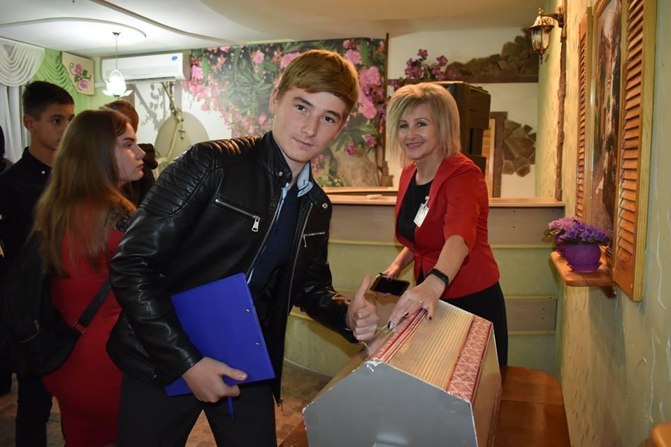 Без Купюр | Освіта | У Кропивницькому відбулась сесія обласного парламенту дітей 3
