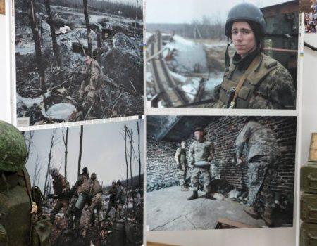 У Кропивницькому презентували фотовиставку фронтових робіт Дмитра Муравського. ФОТО, ВІДЕО