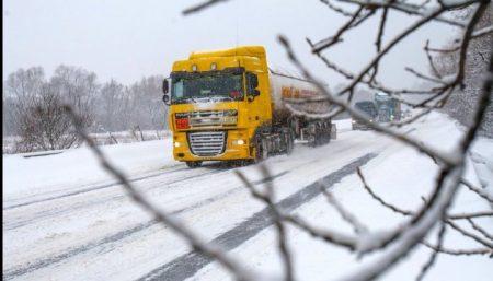 Під час сильних снігопадів до Кропивницького не пускатимуть вантажівки
