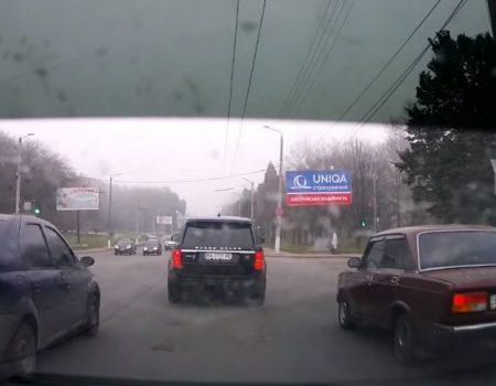 Міський голова Кропивницького перепросив за порушення ПДР. ВІДЕО