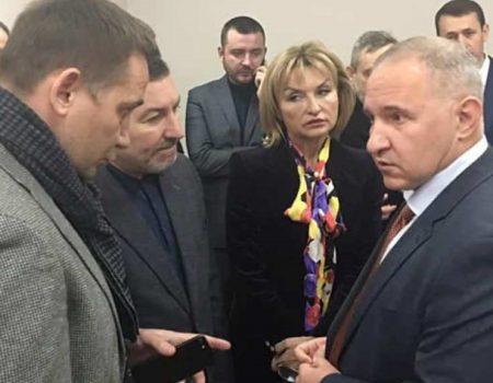 Нардеп з Кропивницького прийшов підтримати керівника Інституту серця, котрий оскандалився в мережі. ВІДЕО