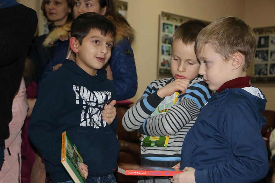 У Кропивницькому письменник Сашко Дерманський зустрівся з маленькими і дорослими читачами. Фото 7
