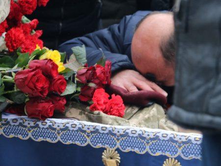У Кропивницькому попрощалися зі старшим сержантом Віктором Куроп'ятником. ФОТО