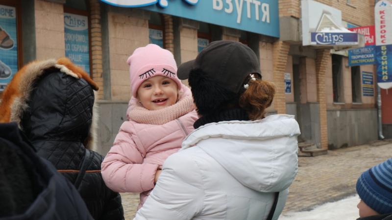Подібний святковий формат виявився надпопулярним: до резиденції приїжджають батьки з дітьми навіть з інших районів Кіровоградщини.