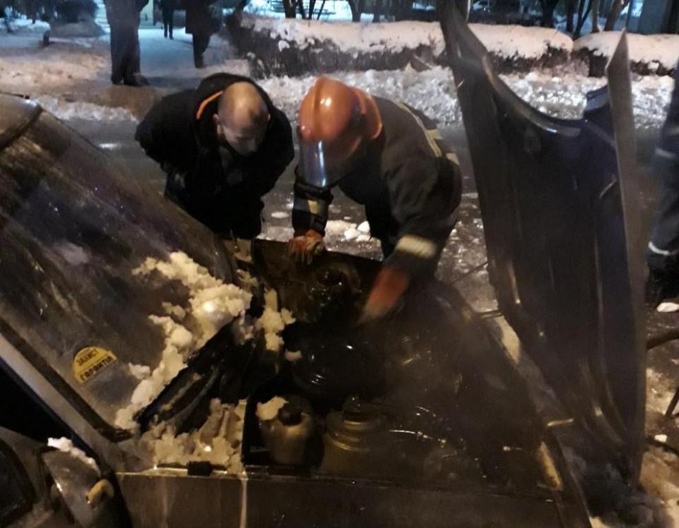 Без Купюр У Кропивницькому горіло авто. ФОТО, ВІДЕО Події  пожежа Кропивницький