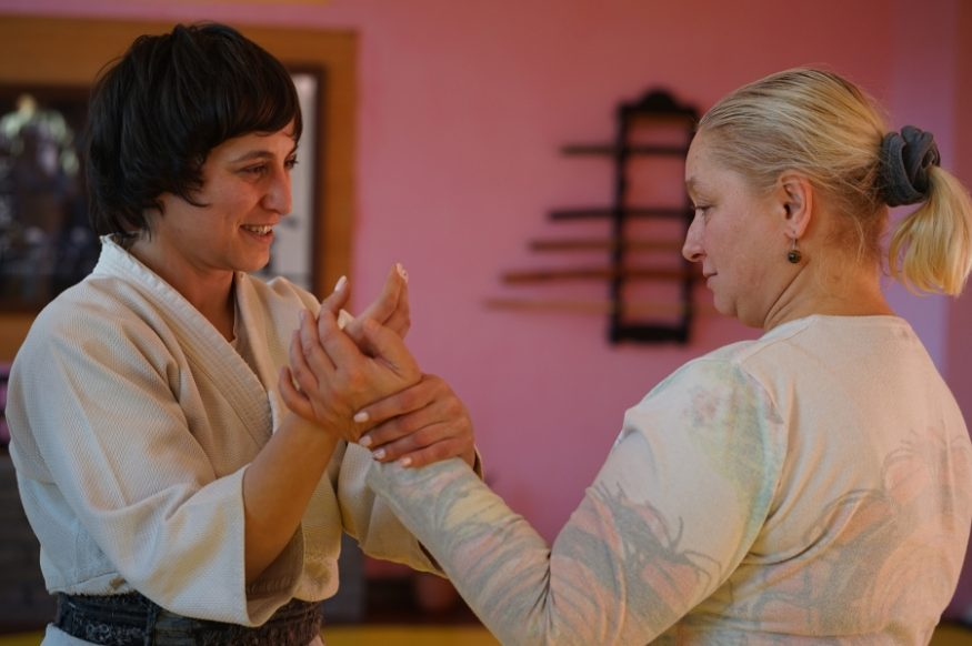 У Кропивницькому жінок і дівчат навчали, як оборонятися від кривдників - 3 - Життя - Без Купюр