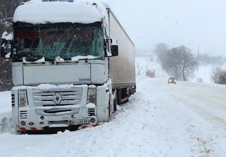 Через штормове попередження у Кропивницькому обмежили в'їзд фур