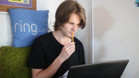 """""""Я знайшов те, що шукав"""": як у Кропивницькому 17-річний юнак став програмістом"""