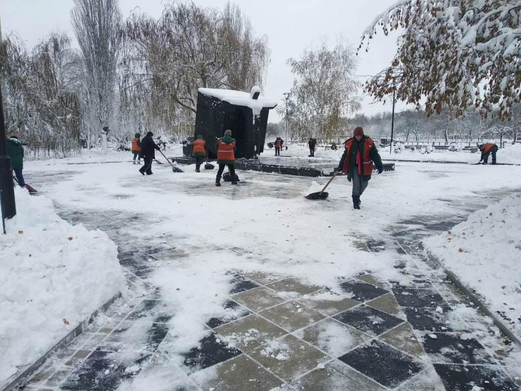 Комунальники Кропивницького відзвітували про розчистку доріг від снігу. ФОТО 5