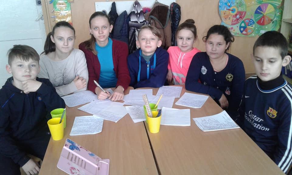 Кіровоградщина: школярі відправили листи до військовополонених моряків - 1 - Життя - Без Купюр