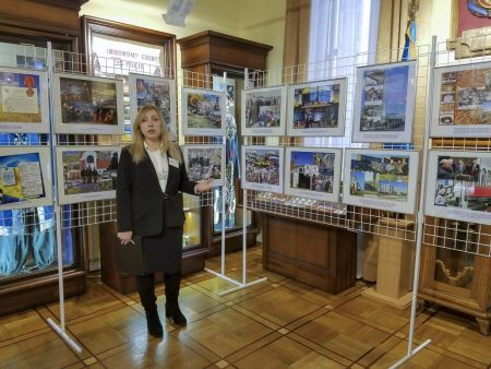 У Кропивницькому відкрилась виставка до 80-річчя Кіровоградської області. ФОТО
