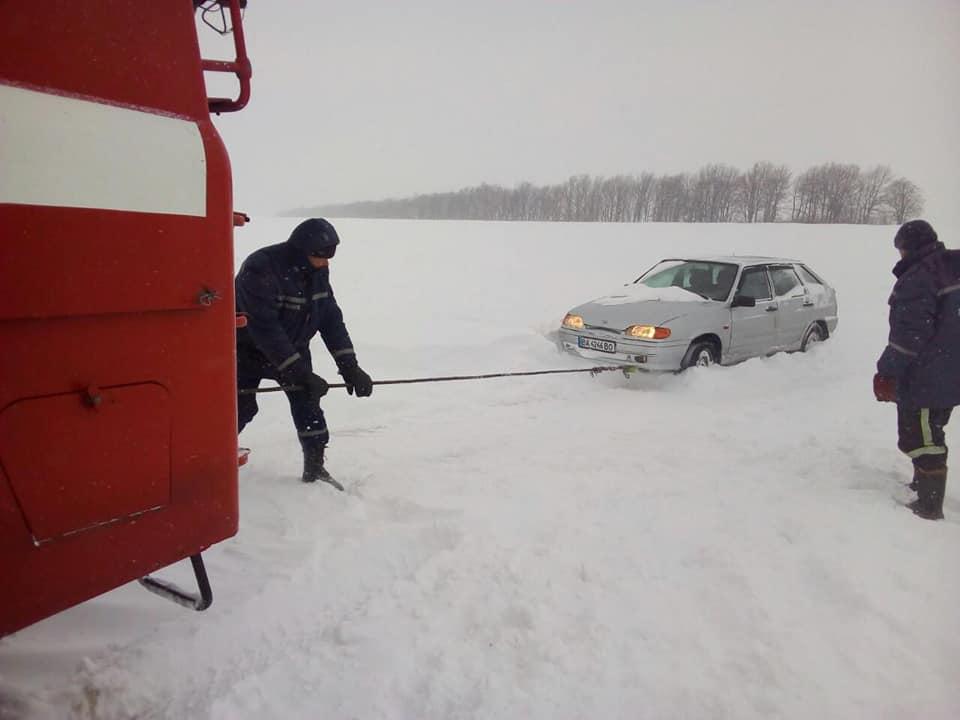 Снігова негода вирує на Кіровоградщині. ФОТО. ВІДЕО 3