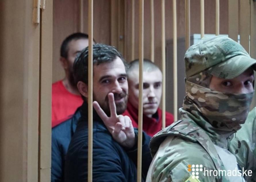 Моряк з Кіровоградщини відмовився відповідати на питання суду посилаючись на Женевську конвенцію - 1 - Життя - Без Купюр