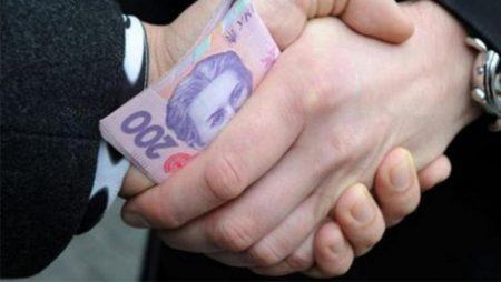 Працівники СБУ області брали 6-10 тисяч доларів за інформацію з телефонів