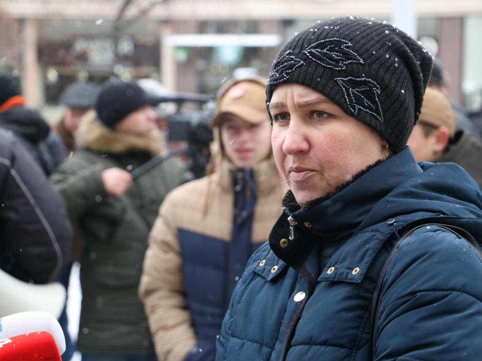 Без Купюр | Найважливiше | У Кропивницькому мітингували через скасування у садочках пільг для дітей учасників АТО. ФОТО 2